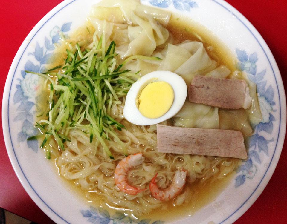 呉龍 呉冷麺(ワンタン入り)