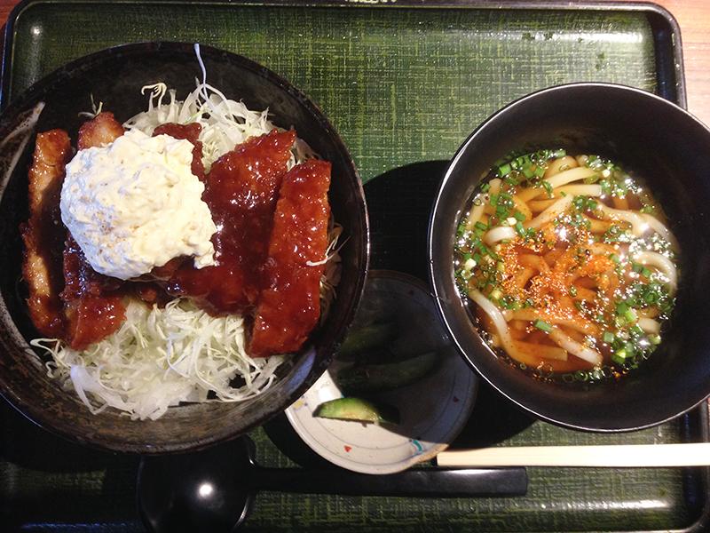 うどんのさぬき屋 タルタルかつ丼(ミニうどんセット)