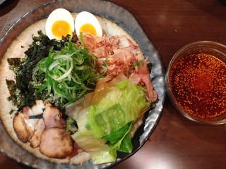 辛部 宝町店 のりかつおつけ麺