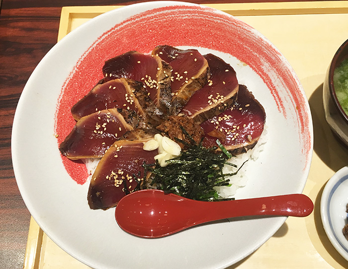 龍神丸 ゆめタウン廿日市店 藁焼き鰹の漬け丼